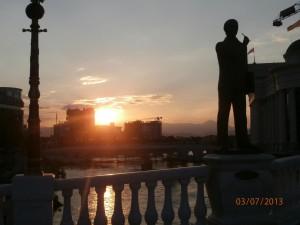Vardar a západ slnka